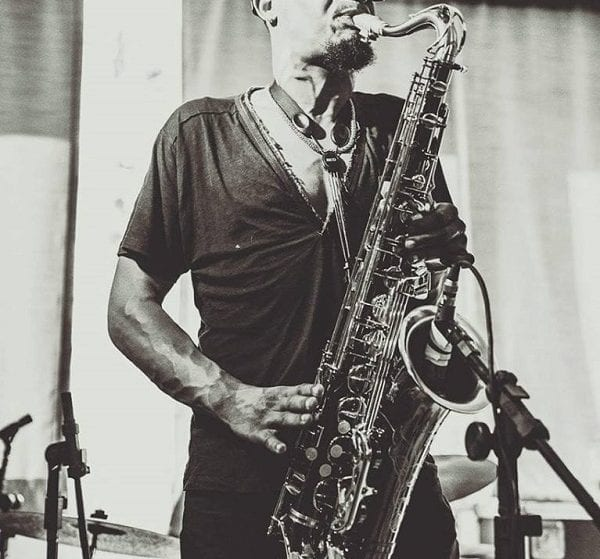 Image of Vinicius Chagas playing the JodyJazz Giant